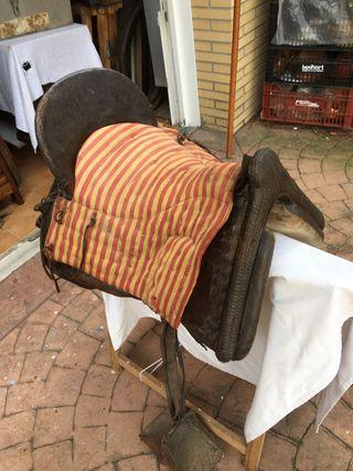 Muy antigua silla de montar