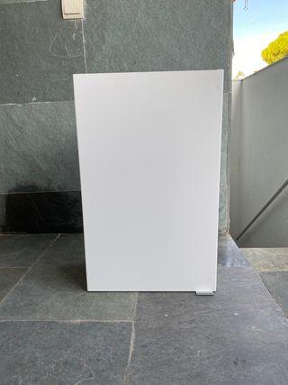 Armario pared baño