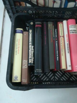 Caja de libro 14 libro, 5 €.