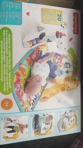 Gimnasio parque infantil bebés y niños
