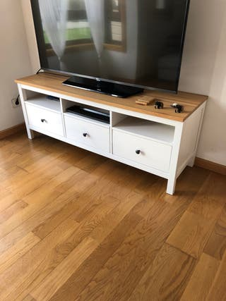 Mesa tv Ikea de segunda mano en la provincia de A Coruña en