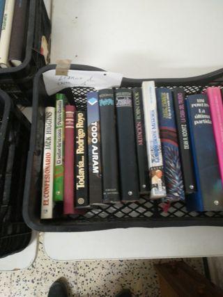 libros, todo tipo de literatura.