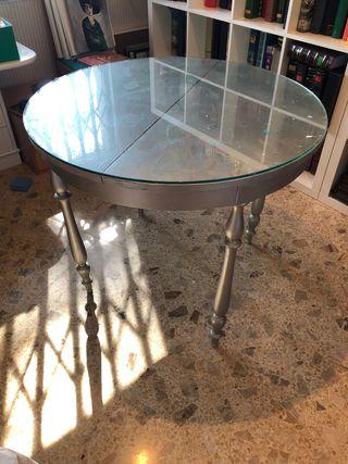 Mesa camilla pintada con cristal