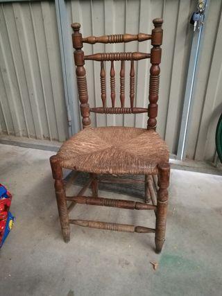 silla antigua torneada