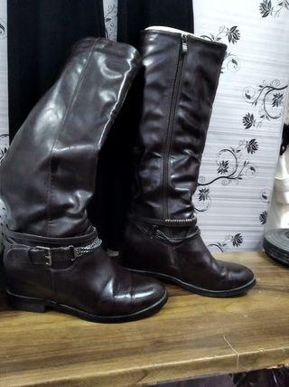 botas marron oscuro de piel forradas