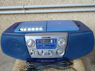 SONY. CD-RADIO-CASETTE RECORDER.