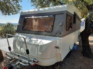 Caravana Roller Alloha restaurada