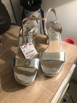 Sandalias T39 color plata Zara nuevas