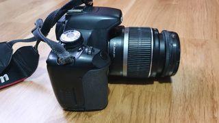 Cámara de fotos réflex canon Eos 550d