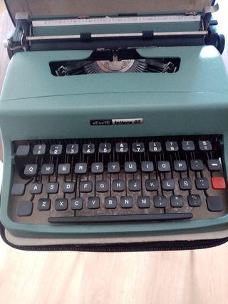 Máquina olivetti letters 32