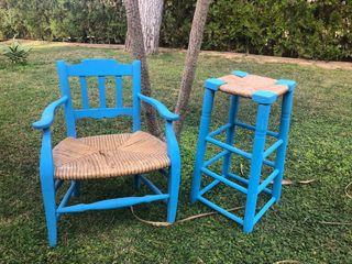 Silla y taburete antiguos pintado azul