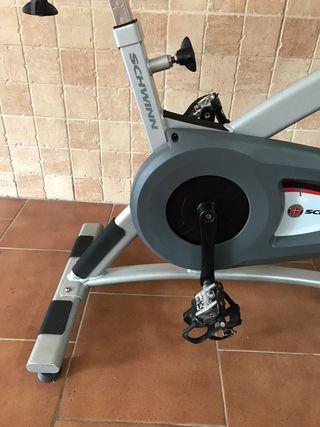 Bicicleta Spinning Schwinn magnetica.
