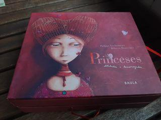 Cofre amb llibre i postales de princeses