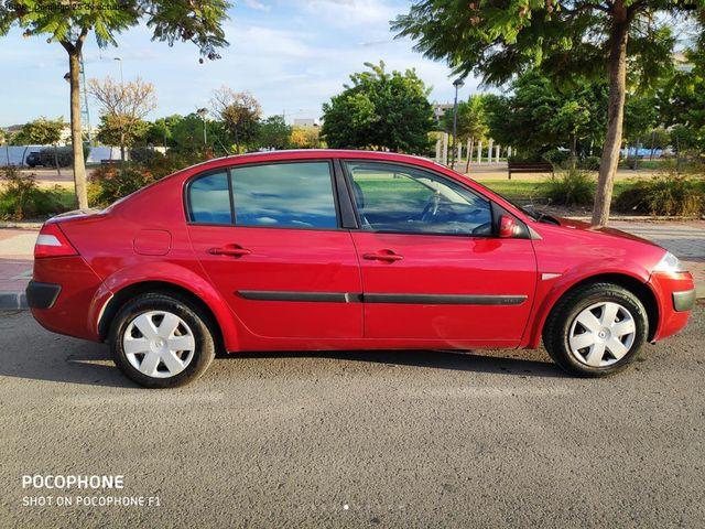 Renault Megane sedan 2004