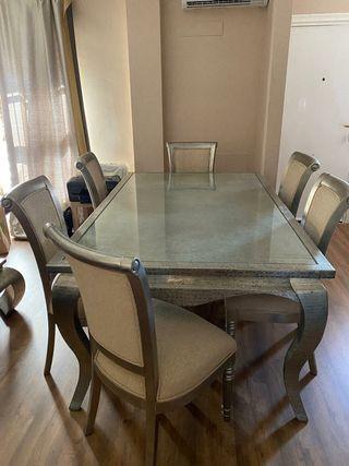 Mesa de comedor de madera y 6 sillas