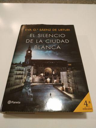 El silencio de la ciudad blanca - Eva G. Sáenz