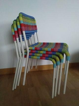 4 sillas para niños