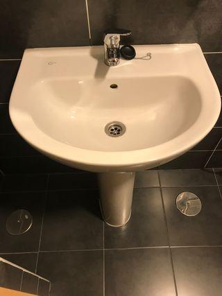 Lavabo de pie Ideal Standart completo como nuevo.