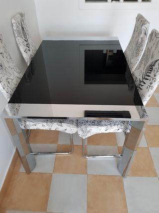 Mesa de diseño italiano