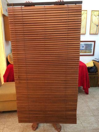 Persiana de madera estilo veneciano
