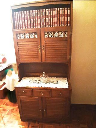 mueble de madera maziza