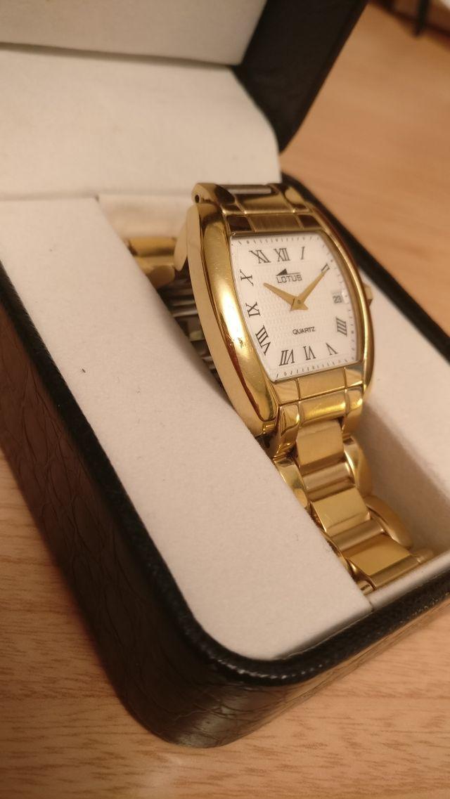 Reloj LOTUS bañado en Oro