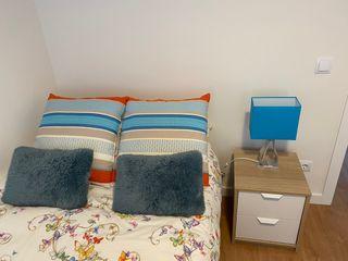 Lámpara azul Ikea Klabb en perfectas condiciones