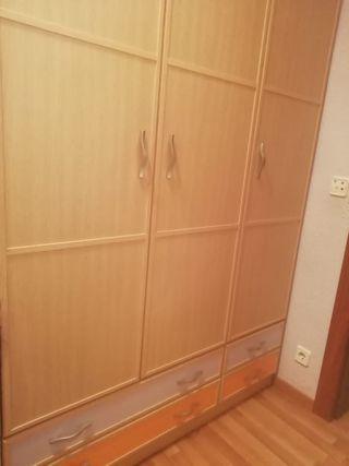 armario habitación individual
