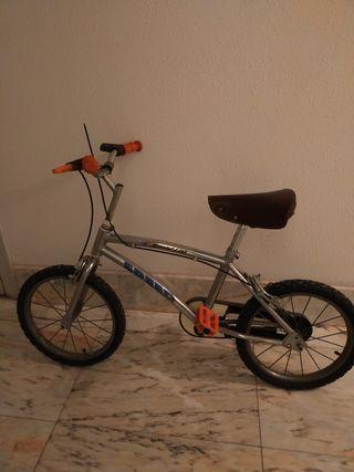 bicicleta antigua niñ@