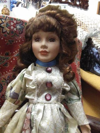 Muñeca porcelana 43 cm