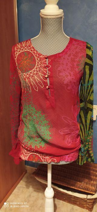blusa estampada de desigual