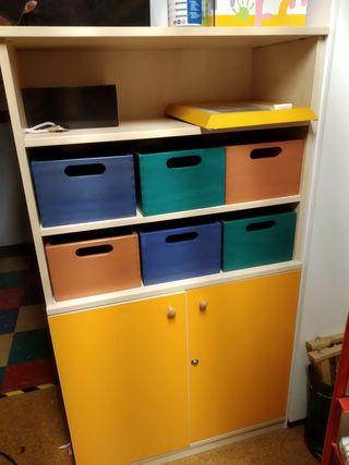 Mueble infantil de colores