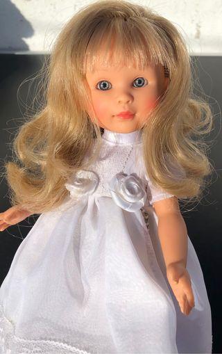 Muñeca celia de Paola reina