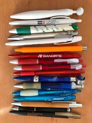 Bolígrafos variados