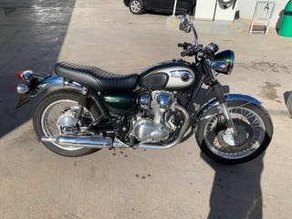 Moto A2 Kawasaki w800 Classic edition