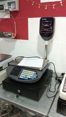 balanza registradora, ticket , 3 vendedores nuevas