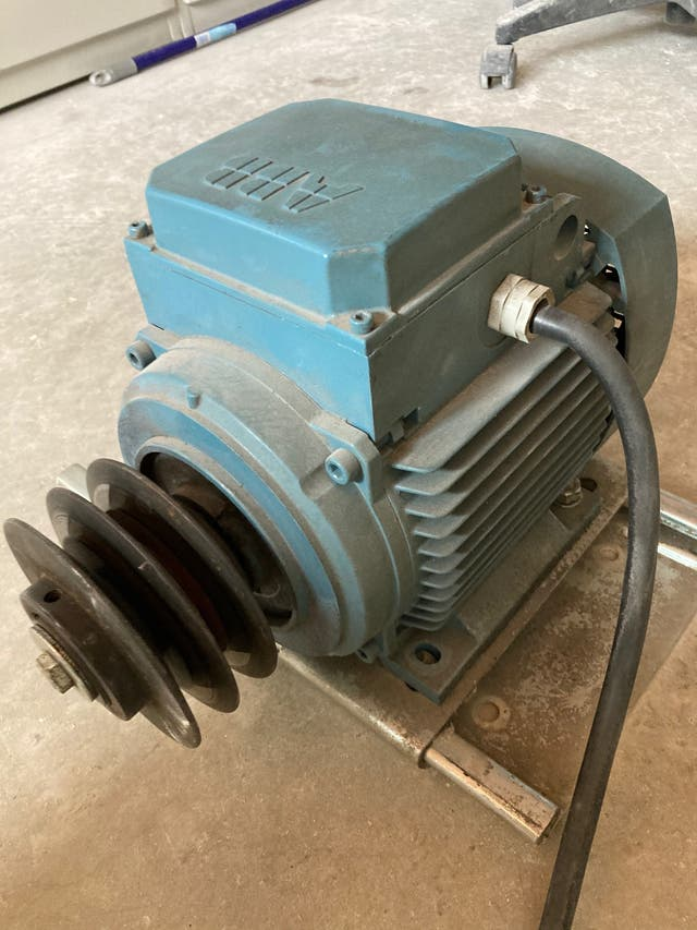 Motor trifásico ABB 4Hp