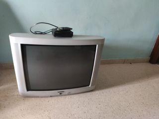 """TV 30""""con TDT y los mandos buen estado"""
