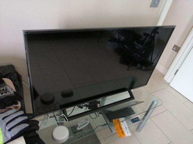 Hisense TV 43inch