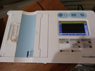 ELECTROCARDIOGRAFO WELCH ALLYN