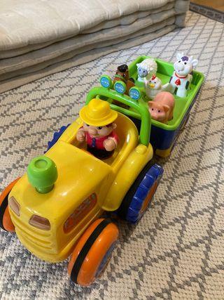 Tractor con animales de la granja