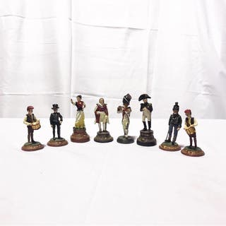 8 figuras sueltas de ajedrez hechas de plomo