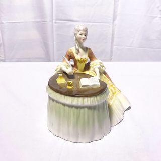 """Figura de porcelana England """"Royal Doulton"""""""