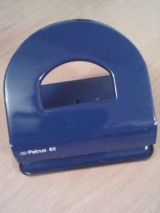 Taladro / Perforador de papel Petrus 62
