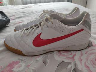 Botas Futbol Sala Nike Talla 46 como NUEVAS