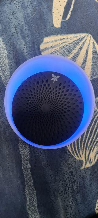 Enceinte bluetooth avec lumière colorèe neuf!