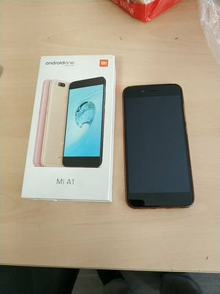 Xiaomi Mi A1 con funda
