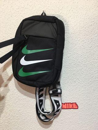 Riñonera de fútbol Nike nigeria essentials