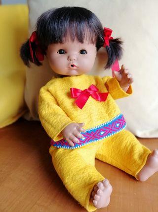 Muñeca antigua Nenuco esquimal
