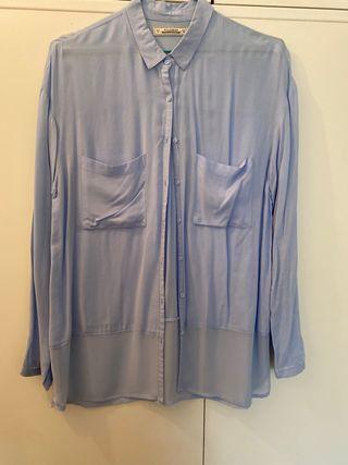 Camisa azul larga